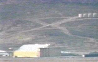 area 51 fra teorie e misteri... Area51_hangar_2